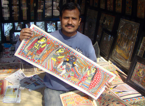 Artist Bihar showing madhubani painting